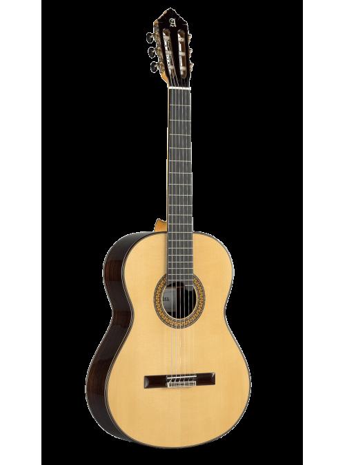 11 P Model by Alhambra Guitars