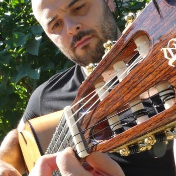 Guitarras Alhambra Künstler PIERRE CLAVÉ - FRANKREICH
