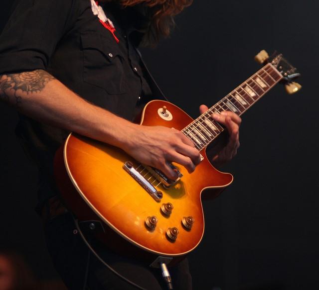 Tocar la guitarra: ¿Qué es un riff?