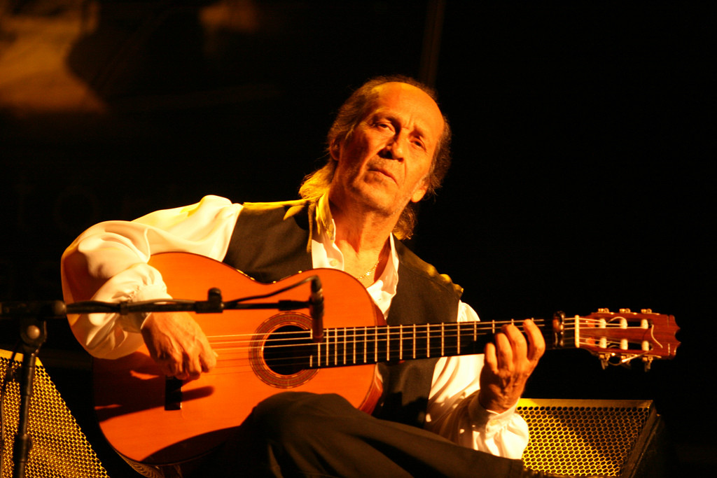 Paco de Luc�a, the excitement of playing the guitar