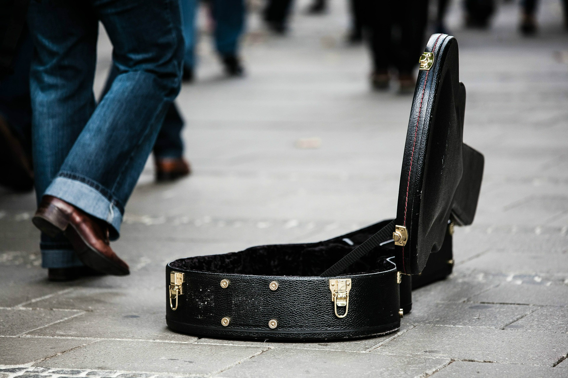 Cómo transportar la guitarra durante un viaje