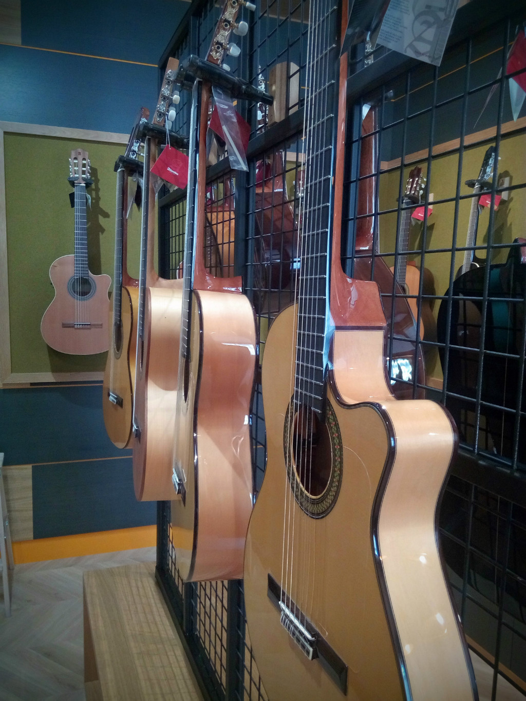 Flamenco Guitars Alhambra