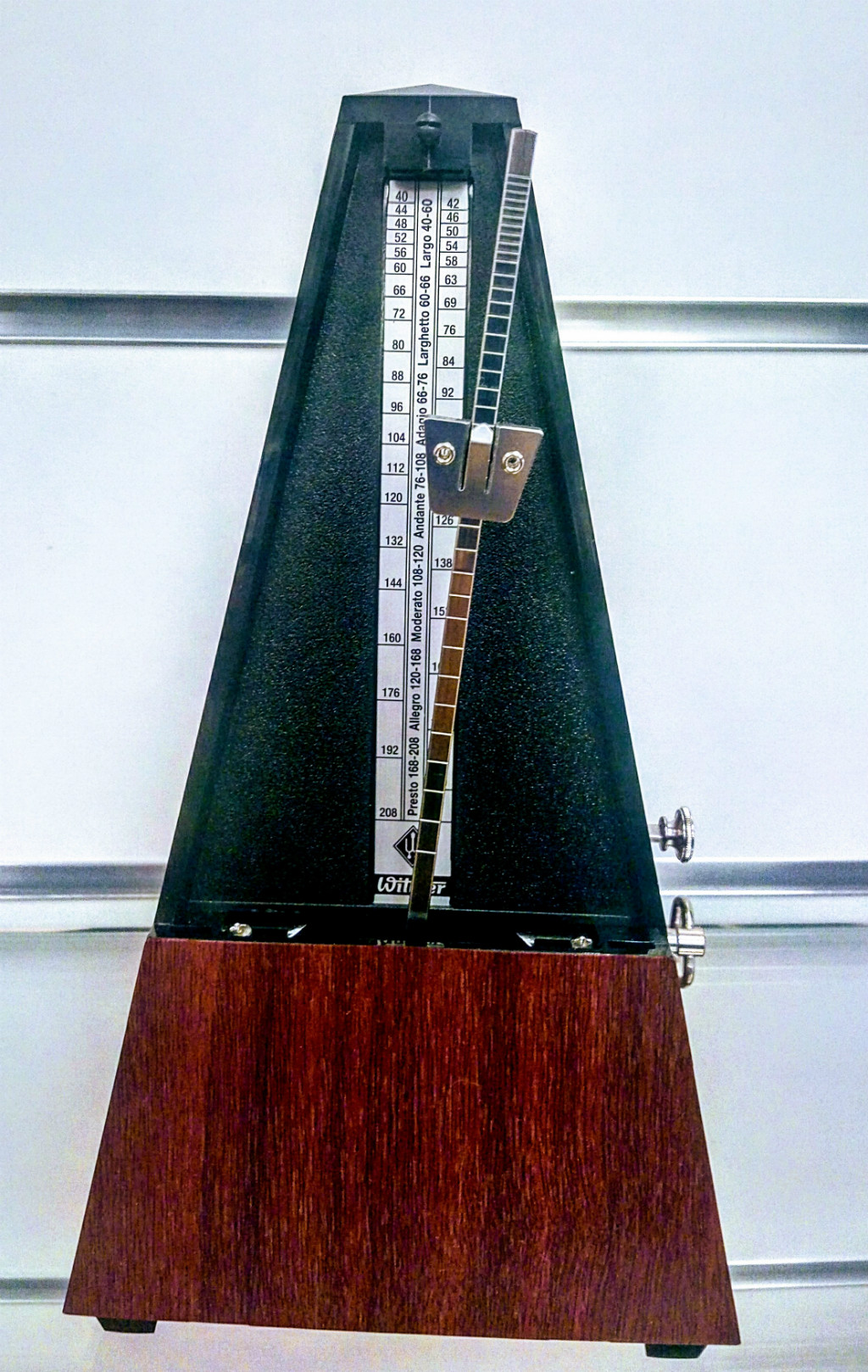 the metronome Alhambra Guitars