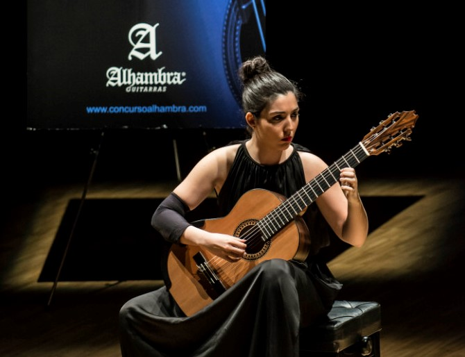 The woman in the guitar world – Alhambra Guitars